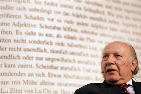Irodalmi Nobel-díjat kap Kertész Imre