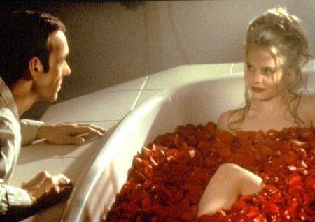 Kevin Spacey és Mena Suvari az Amerikai szépség című filmben