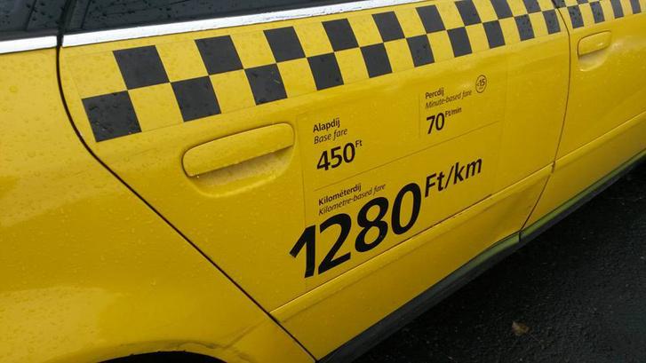 Szigszalaggal emelt árat egy budapesti taxis a Soundon