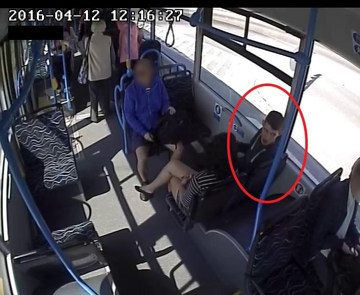 214- busz támadó2