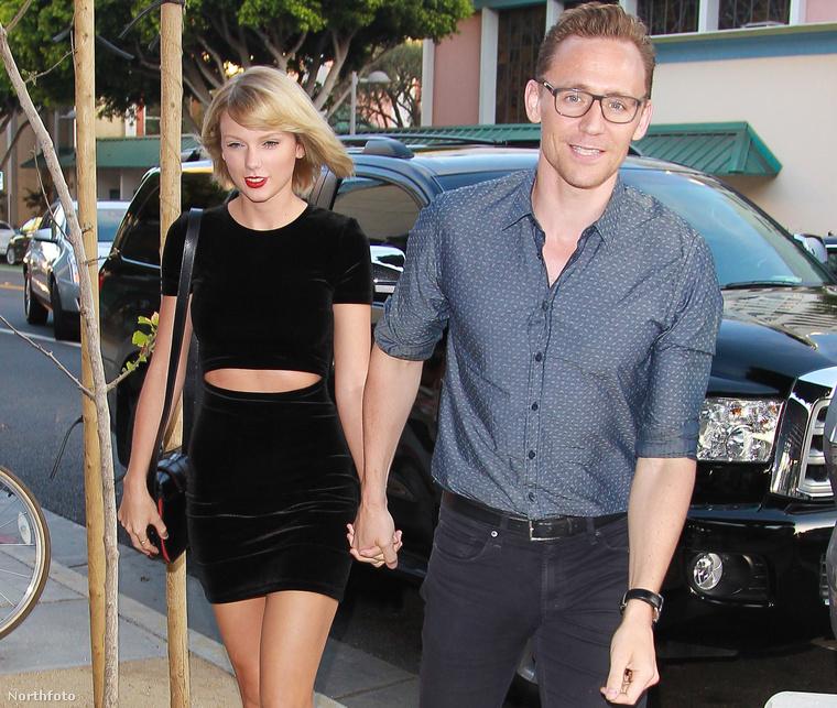 Kéz a kézben Swift és Hiddleston