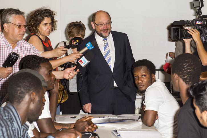 Martin Schulz az Európai Parlament elnöke menekültekkel találkozik Portugáliában