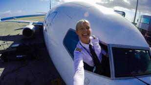 Ismerje meg a világ legszexibb pilótanőjének csodálatos életét