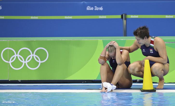 A magyar női vízilabda első olimpiai érméért ugrott medencébe péntek délután Rióban. Volt fogadkozás, de enélkül is a mieink voltak az esélyesebbnek tartottak Oroszország pólócsapata ellen. Végül Oroszország megnyerte a meccset, és elvitte a bronzérmet. A magyar női pólónak továbbra sincs olimpiai érme.