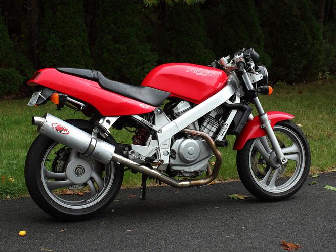 Honda NTV650 Hawk GT