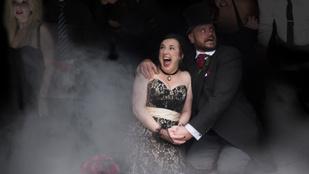 Ezen a zombiesküvőn a torta volt a legjobb