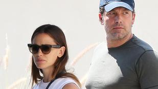 Miért sírhat Jennifer Garner a családi misére menet?