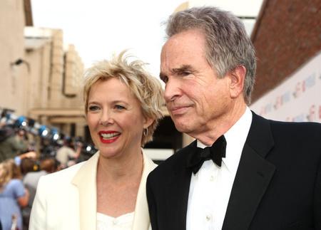Feleségével Annette Beninggel