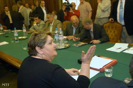Sz.-né 2008 májusában a BKV központjában