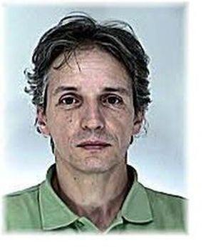 A jelenleg rendelkezésre álló adatok alapján, a képen látható dr. Stamatiu Dan 54 éves román állampolgár 2016. augusztus 31-én 15 óra körül Nyíregyházán egy családi házban lövéseket adott le az ott lakó házaspárra