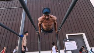 Pár párizsi srác bemutatja, hogyan kell edzeni egy kondiparkban