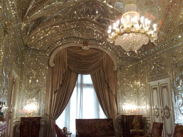 Tükörterem Teheránban