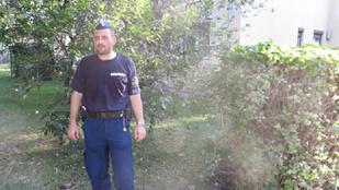Tóth Árpád főtörzs a karjában vitte a tűzből megmentett nőt