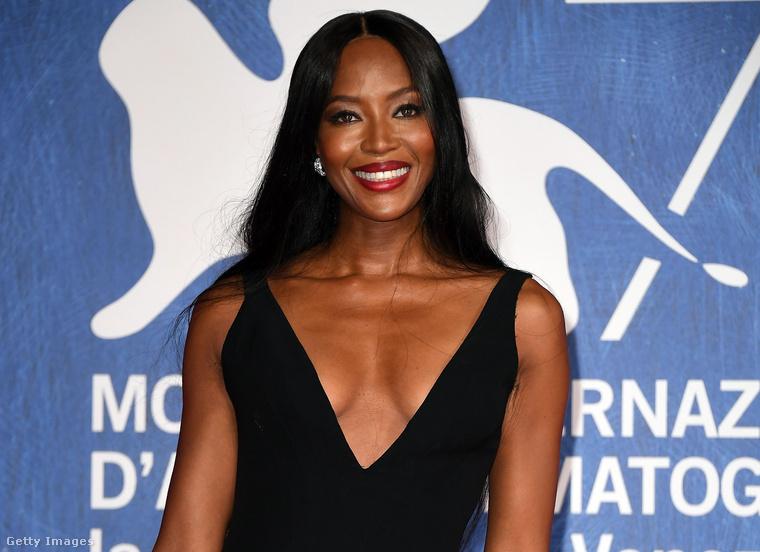 Naomi Campbell is elment Velencébe erre a hétvégére, nem fogja kitalálni, kinek a kezét fogta majdnem végig!