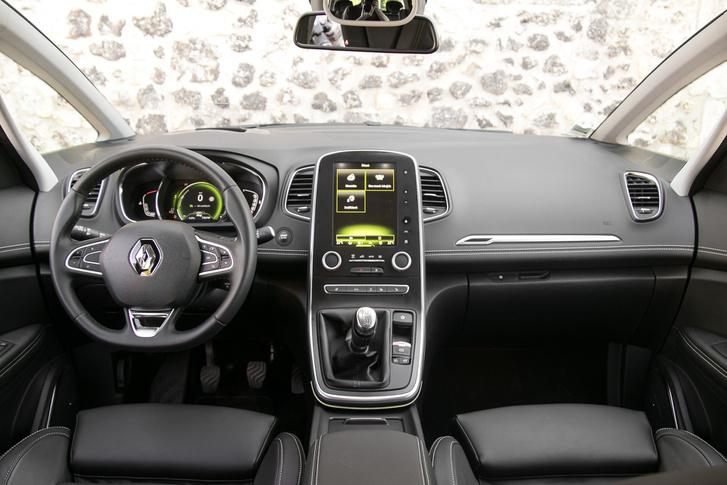 Hangsúlyosan modern az új Renault-k beltere