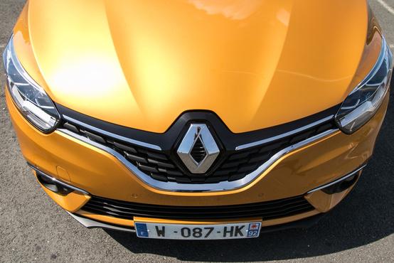 Imádom a Renault-jelvényt és a körítését