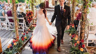 Festékbe mártotta a menyasszonyi ruháját. Megérte?