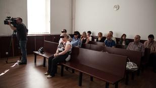 Rezzenéstelen arccal ült tárgyalásán a tatabányai gyermekgyilkos anya