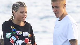Vadul hempergett Justin Bieber és Sofia Richie, lefotózták
