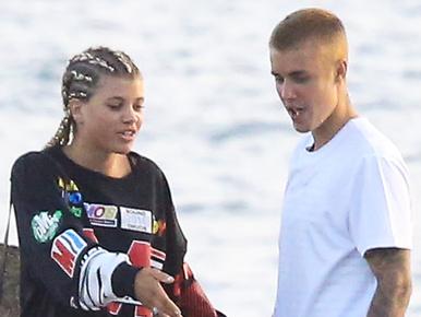 Justin Bieber az Instagramon próbál bevágodni exénél, Sofia Richie-nél
