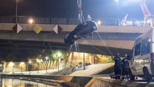 A Rába fenekéről került elő egy autó Győrben