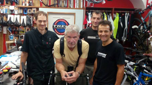 Harrison Ford Budapesten biciklizik