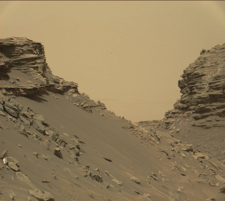 Az 5,5 kilométer magas Mount Sharp alsó régiójában készült felvétel