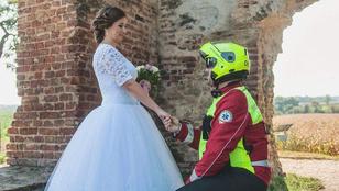 Elképesztő sikere van a mentős esküvőknek