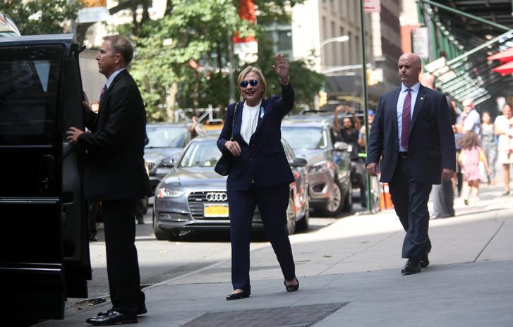 Hillary Clinton 2016. szeptember 11-én a 9/11-re való megemlékezés előtt New Yorkban.