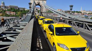 Több taxis gázspray-vel és ököllel ment neki egy fiatal külföldi párnak