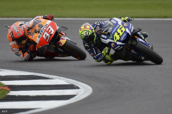 Rossi és Marquez Silverstone-ban