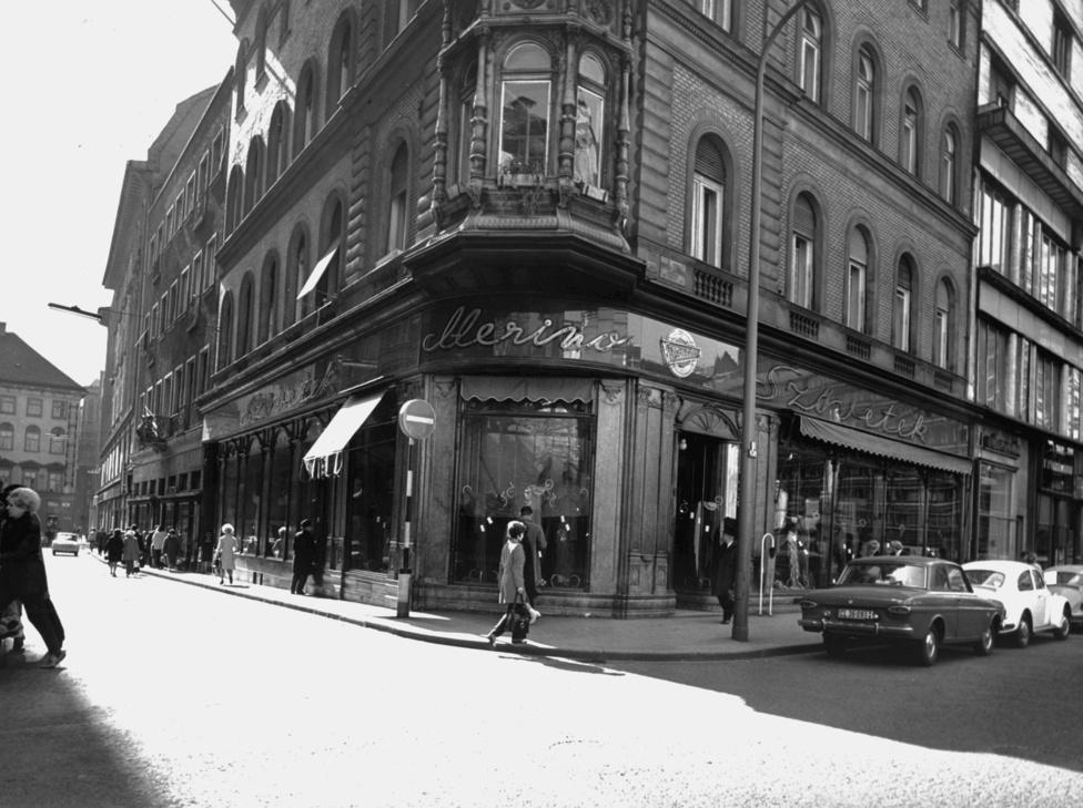 A kádári luxus igazi sztárjai viszont a szalonok voltak. Ezek közül a leghíresebb a Klára szalon a Váci utcában, amelynek vezetője, Rotschild Klára Simonovics Ildikó  szerint a szocialista haute couture egyik legfontosabb alakja volt. Rotschild szabadon utazhatott nyugatra, hogy a legfrissebb párizsi divatot hozhassa haza és kínálhassa színészeknek, énekeseknek és a párt vezetőinek. Nála vásárolt a híres színészektől és énekesnőktől Kádár, sőt még Titó feleségéig mindenki, aki tehette. A bolt viszont nem volt az övé, bár nem is volt az államé: szövetkezeti formában működött, ahogy a környék több másik szalonja. A Klára Szalon mellett hasonlóan népszerű volt a Budapest Divatszalon, szintén a Váci utcában. A Luxus Áruház import cikkei után, vagy talán még azokat meg is előzve ezekben  voltak a kor legelegánsabb és legdrágább divatcikkei, amelyeket hordani igazi presztízs volt.