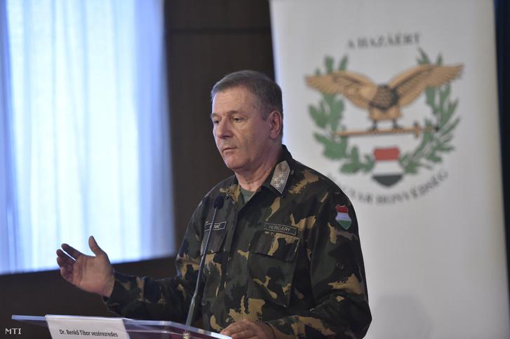 Benkő Tibor a Honvéd Vezérkar főnöke