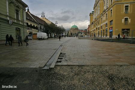 Népünnepély Pécsen  Fotó: Huszti István