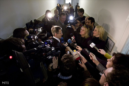 Bolla és a sajtó