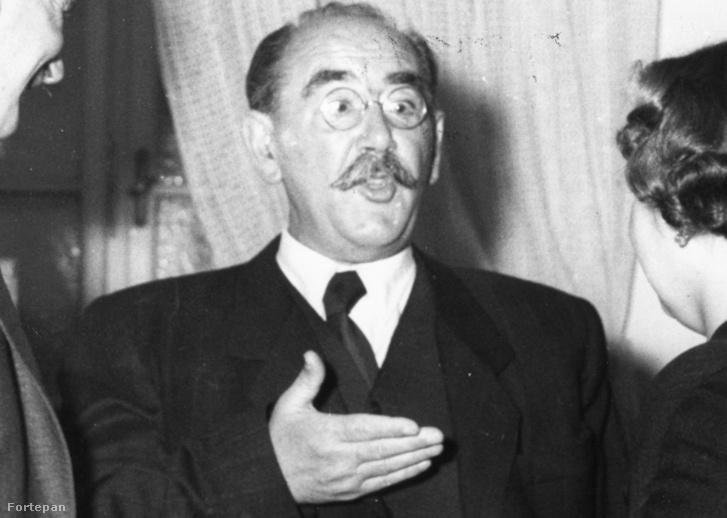1956. október 13., középen Nagy Imre miniszterelnök, az egykori Győrffy kollégisták találkozóján a Kossuth klubban.