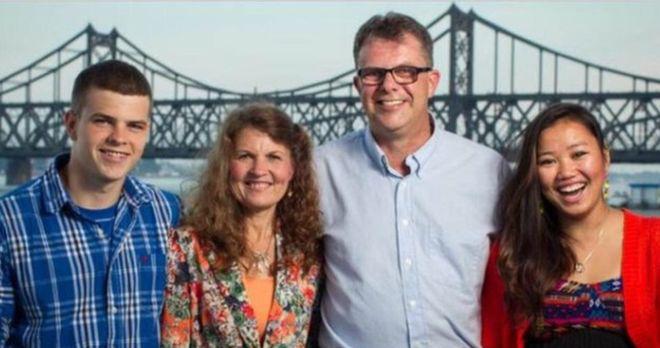 Kevin Garratt és családja.