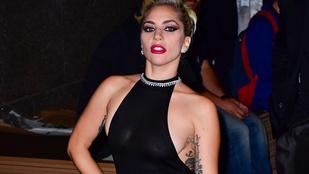 Lady Gaga már megint otthon hagyta a melltartóját