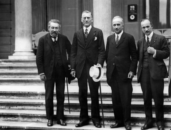 Aristide Briand francia, Austen Chamerlain brit, Vittorio Scialoja olasz és Edvard Benes csehszolovák külügyminiszterek 1926-ban, Genfben