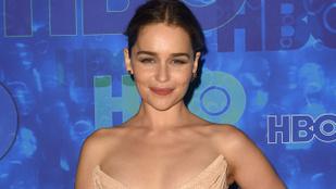 Emilia Clarke bombaformában élvezte, hogy rekorder lett a Trónok harca