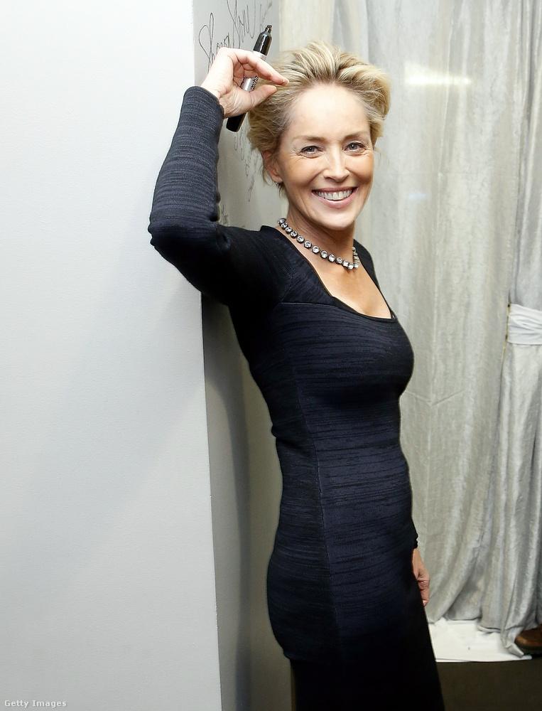 """Sharon Stone alighanem a divat hevében, a '90-es években csatlakozott a többi hírességhez, és """"vette fel"""" ezt a vallást"""