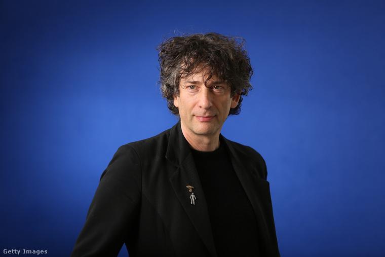 Neil Gaiman édesapja a szcientológia egyházának PR hivatalnoka volt, így a főleg fantasy regényeiről híres író gyakorlatilag beleszületett a szcientológia világába