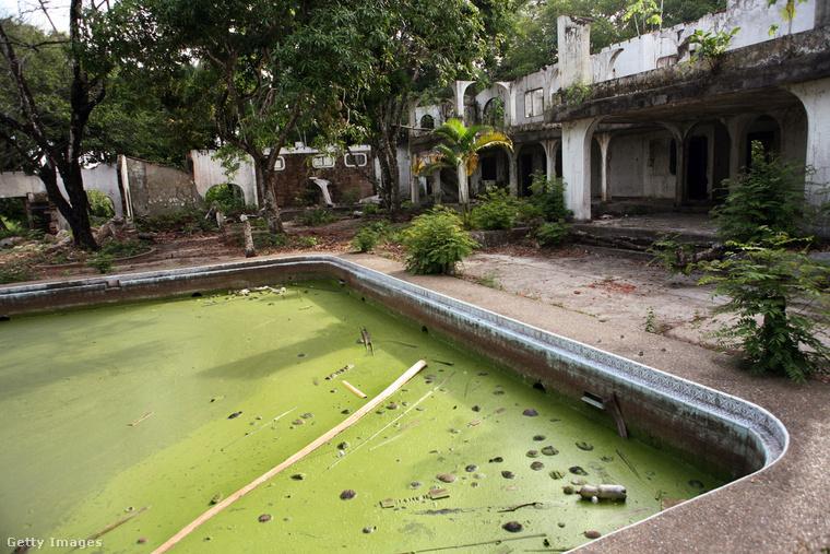 Halála után Pablo Escobar birtokát kincsvadászok fosztották ki