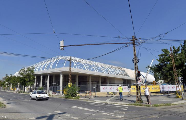 Az épülő Új Hidegkuti Nándor Stadion déli oldala 2016. augusztus 4-én.