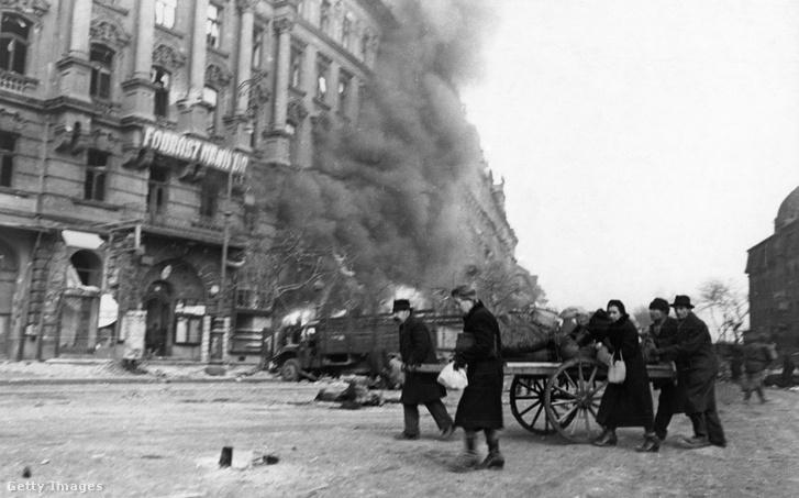 Budapest 1945-ben.