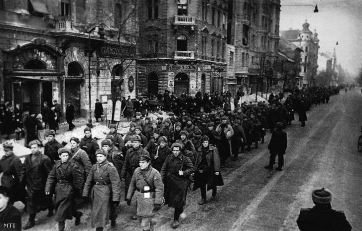 Szovjet bevonulás Budapestre 1945-ben