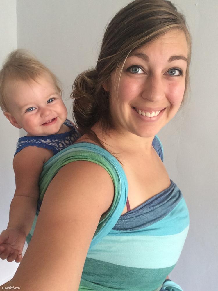 Úgy fest, hogy a  Washingtonban élő, 23 éves Kelly Stanley is az élete részévé tette a jóga közben szoptatást