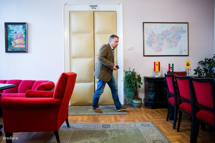 Horváth Richárd polgármester a Városházán