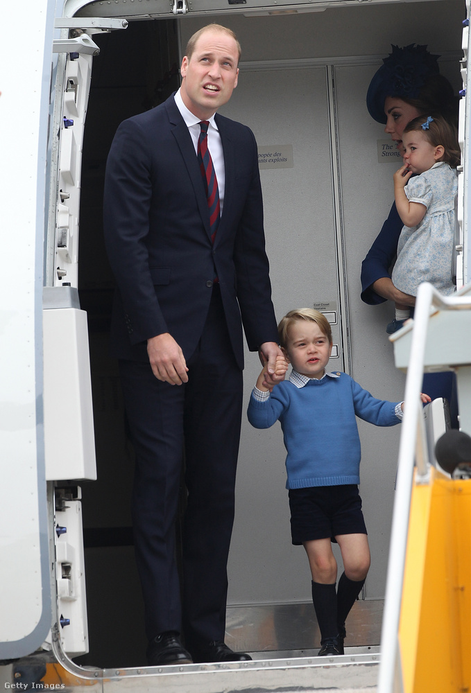 Vilmos angol herceg, felesége, Katalin hercegné a gyermekeikkel diplomáciai látogatásra utaztak Kanadába