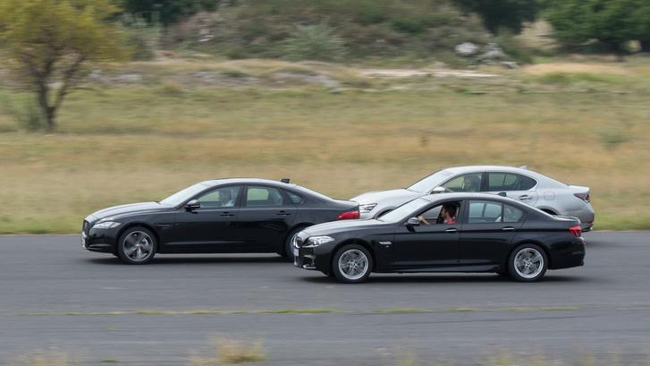 Oké, BMW-ből és Lexusból is létezik erősebb, de azért jól mutat a kép